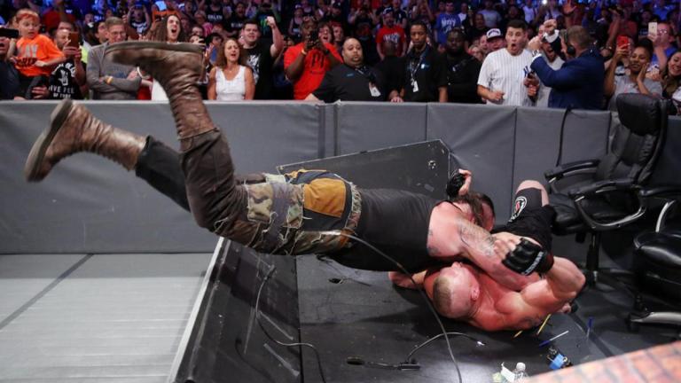 Strowman Lesnar